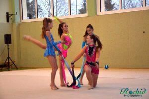 Die 4 Gymnastinnen begeistern das Publikum mit einer eigenen Choreographie